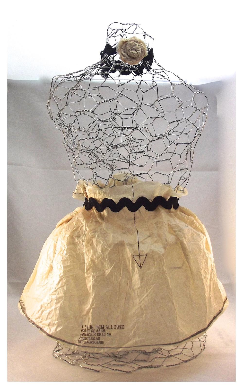 chicken wire mannequin diy home decor