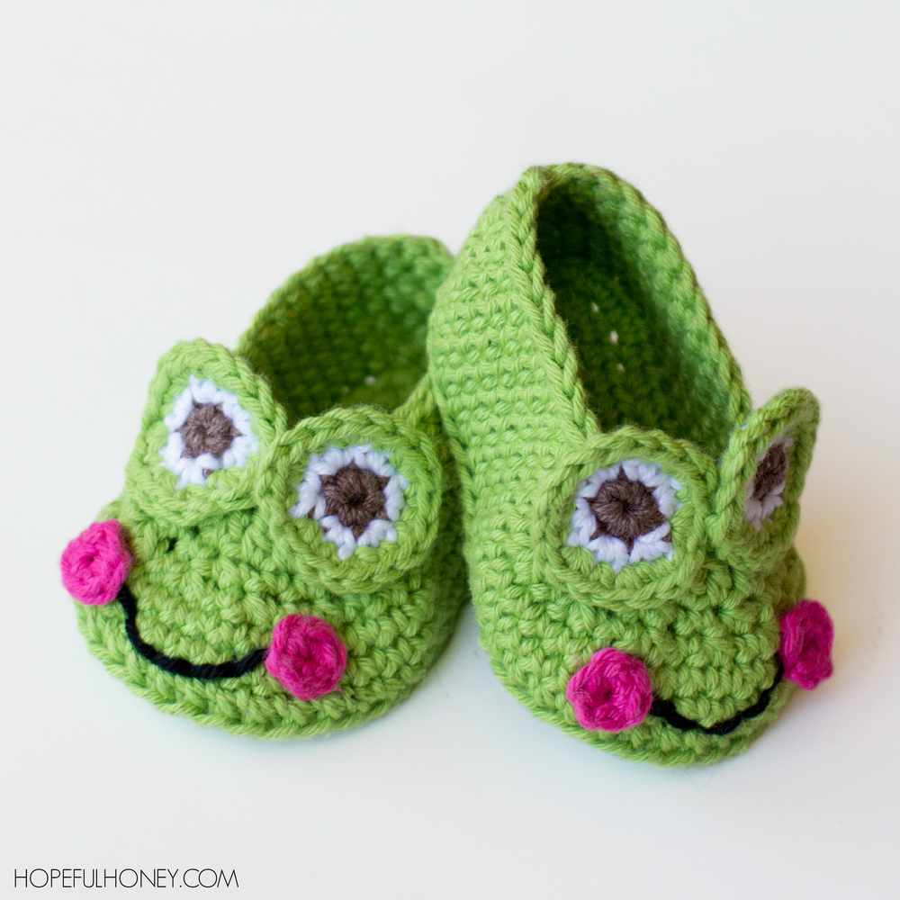 Www All Free Crochet Com : Granddaughters Favorite Frog Baby Booties AllFreeCrochet.com