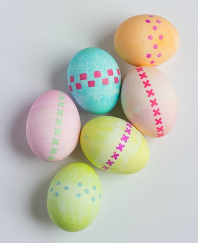 Stenciled Easter Egg Decorating Ideas