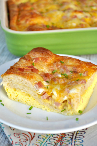 Cheesy Crescent Roll Breakfast Casserole