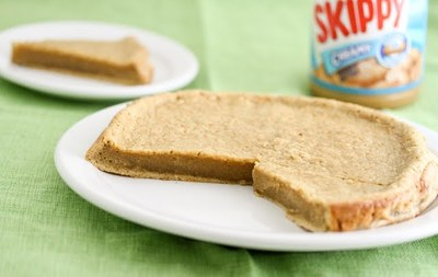 3 Ingredient Flourless Peanut Butter Cake