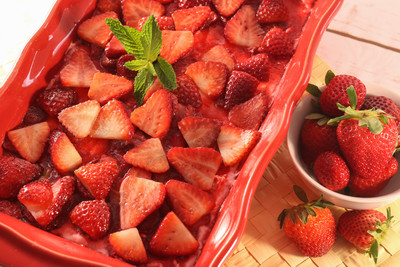 Strawberry Jello Pretzel Salad