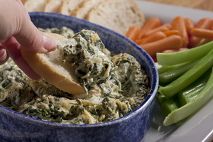 32 Unbelievably Good Dip Recipes: Spinach Artichoke Dip