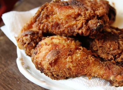 Easy Homemade Fried Chicken | FaveSouthernRecipes.com