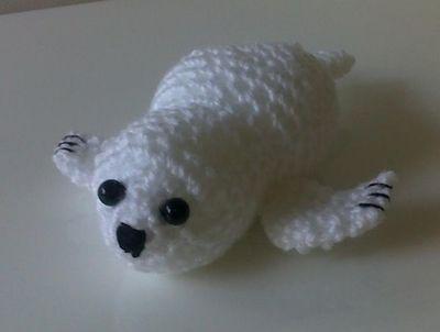 http://d2droglu4qf8st.cloudfront.net/2015/05/221559/Crochet-Baby-Seal_1_Large400_ID-1008854.jpg?v=1008854