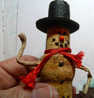 Wine cork snowman ornament for Cork balls for crafts