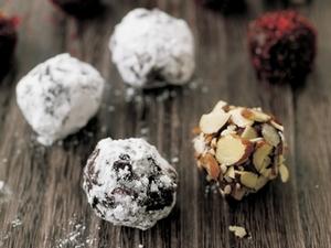 Low-Carb Milk Chocolate Truffles