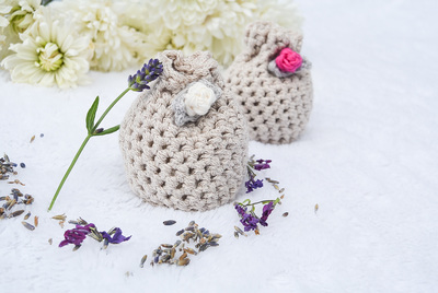 http://d2droglu4qf8st.cloudfront.net/2015/06/225104/Crochet-Lavender-Sachets_Category-CategoryPageDefault_ID-1051040.jpg?v=1051040