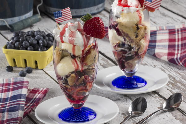 Patriotic Blueberry Pie Parfait