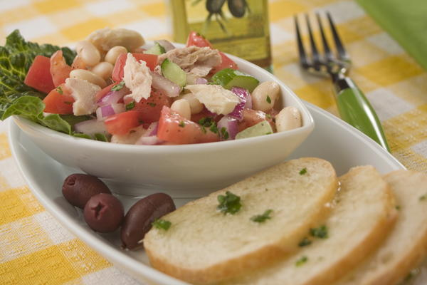 Tuna and White Bean Salad | MrFood.com