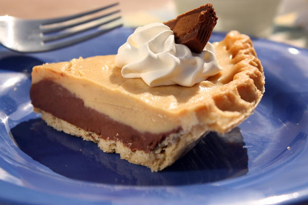 Chocolate Peanut Butter Pie | MrFood.com