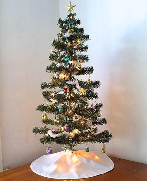 Simple diy tree skirt allfreesewing