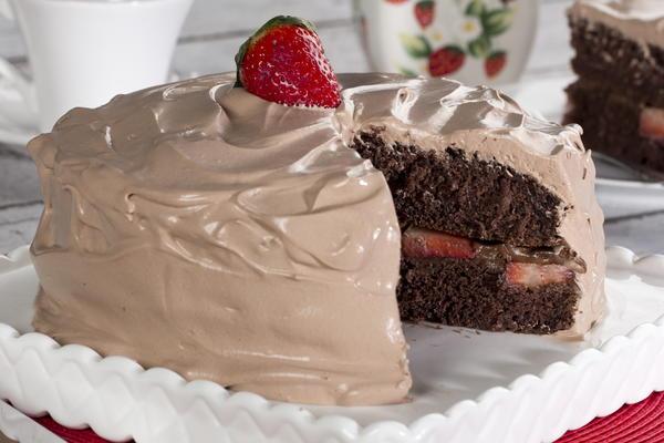 Chocolate Strawberry Dream Cake