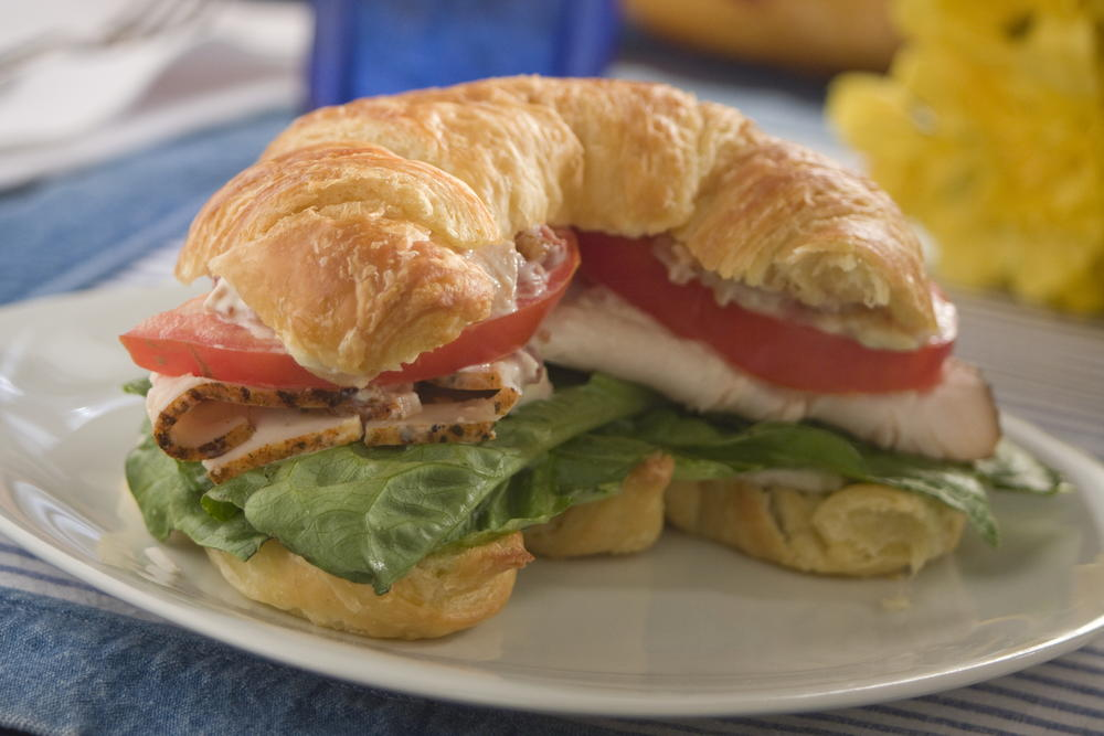 Croissant-Club-Sandwiches_ExtraLarge1000_ID-1101350.jpg?v=1101350