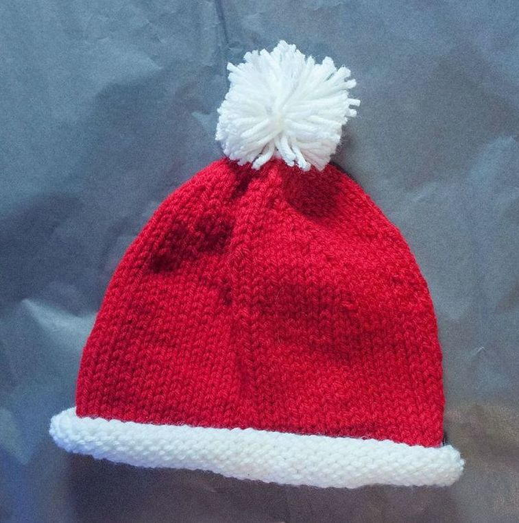 5 Ply Knitting Patterns : Santa Baby Hat AllFreeKnitting.com
