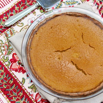 Naturally Sweet Maple Pumpkin Pie | FaveHealthyRecipes.com