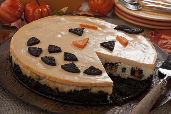 Pumpkin Patch Cheesecake | MrFood.com