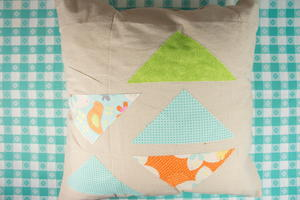 Beyond Easy No Sew Pillows