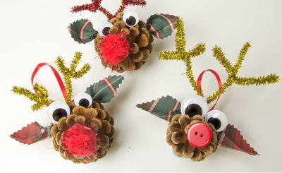 17 pine cone crafts for kids for Pine cone christmas ornaments for kids
