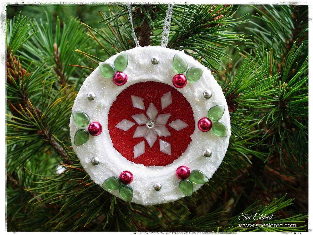 70 Simple Homemade Christmas Ornaments