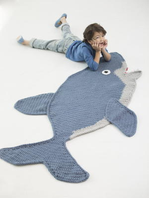 Free Pattern Crochet Shark Blanket : Super Cute Shark Afghan