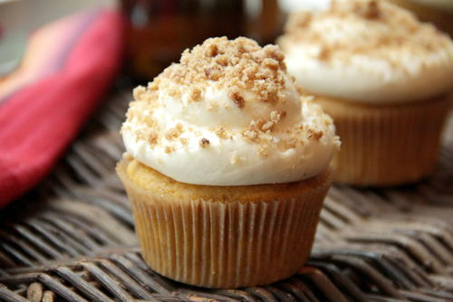 Pumpkin Ale Cupcakes with Streusel…