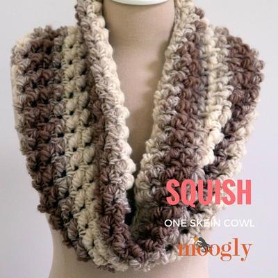 Crochet Scarf Patterns Using Chunky Yarn : Squish Crochet Cowl AllFreeCrochet.com