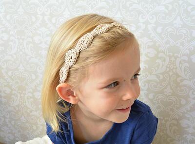 http://d2droglu4qf8st.cloudfront.net/2015/10/240920/Gold-Fleck-Crochet-Headband-Pattern_ArticleImage-CategoryPage_ID-1241815.jpg?v=1241815