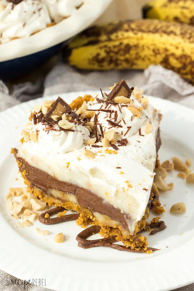 No Bake Reese's Peanut Butter Chocolate Banana Cream Pie