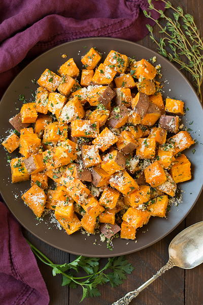 Garlic-Herb Roasted Sweet Potatoes with Parmesan | RecipeLion.com