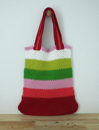 http://d2droglu4qf8st.cloudfront.net/2015/11/244173/Striped-Crochet-Market-Bag_Large400_ID-1280537.jpg?v=1280537