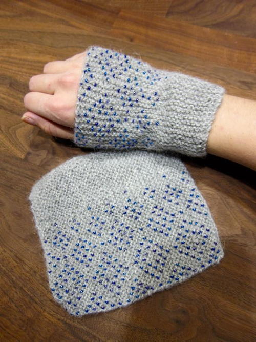 Easy Knitting Pattern Hand Warmers : Easy Beaded Wrist Warmers AllFreeKnitting.com
