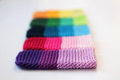 http://d2droglu4qf8st.cloudfront.net/2015/11/244930/Herringbone-Crochet-Phone-Cover_ArticleImage-CategoryPage_ID-1289631.jpg?v=1289631