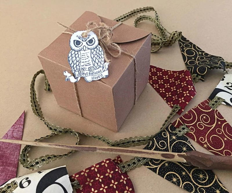 30 gift wrapping ideas birthdays christmas graduations for Harry potter christmas present ideas