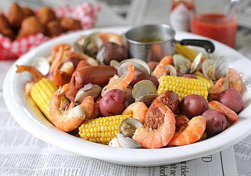 Shrimp and Clam Low Country Boil   FaveSouthernRecipes.com
