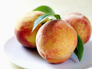 Poached Peaches in Red Wine