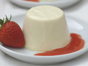 Panna Cotta with Strawberry Purée