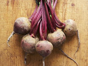 Tamarind Beet-Onion Salad