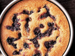 Warm Cinnamon-Spiced Blueberry Cake
