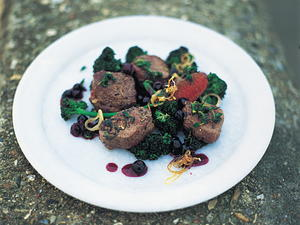Pan-Seared Venison Loin with Blueberries, Shallots and Red Wine