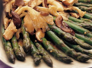 Asparagus with Wild Mushrooms