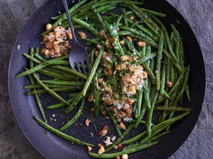 Pan-Roasted Green Beans with Golden Almonds