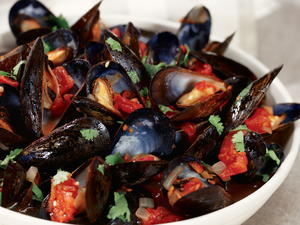 Mussels in Lemongrass Tomato Broth