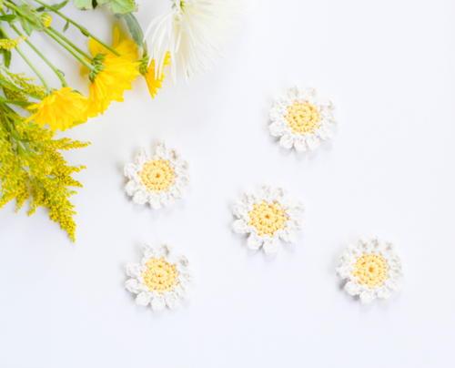http://d2droglu4qf8st.cloudfront.net/2016/03/273341/Sweet-Daisy-DIY-Napkin-Rings_Large500_ID-1568241.jpg?v=1568241