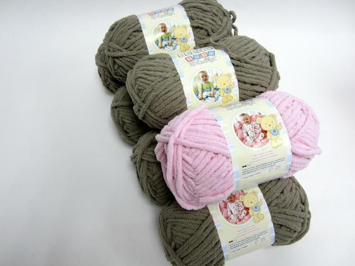 Crochet Patterns Using Bernat Home Bundle : enter to win bernat baby blanket yarn each ball of bernat baby blanket
