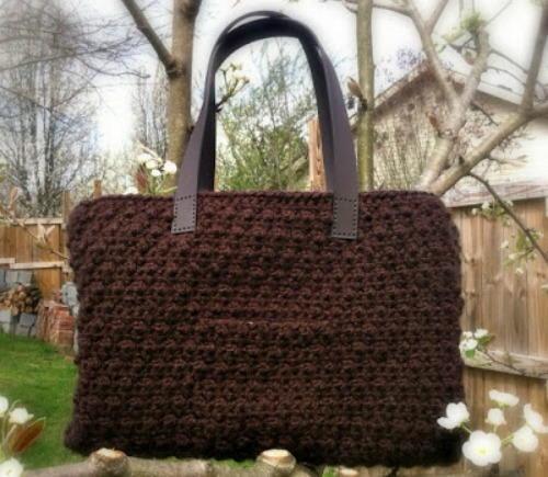http://d2droglu4qf8st.cloudfront.net/2016/04/278590/Chocolate-Tote-Crochet-Pattern_Large500_ID-1630187.jpg?v=1630187