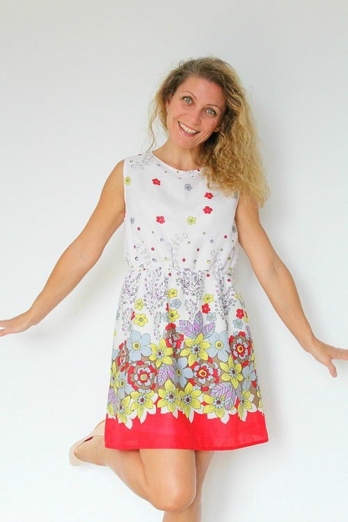 http://d2droglu4qf8st.cloudfront.net/2016/04/279851/Gathered-Waist-Summer-Dress-Pattern_Large500_ID-1645221.jpg?v=1645221