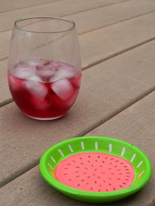 http://d2droglu4qf8st.cloudfront.net/2016/05/280152/Juicy-Watermelon-Outdoor-Coaster_Large500_ID-1648754.jpg?v=1648754