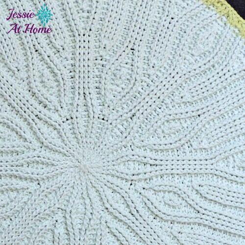http://d2droglu4qf8st.cloudfront.net/2016/05/281473/Easy-Mandala-Crochet-Rug_Large500_ID-1664362.jpg?v=1664362
