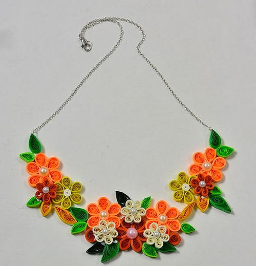 Vibrant floral and pearl quilled necklace for Easy quilling designs step by step